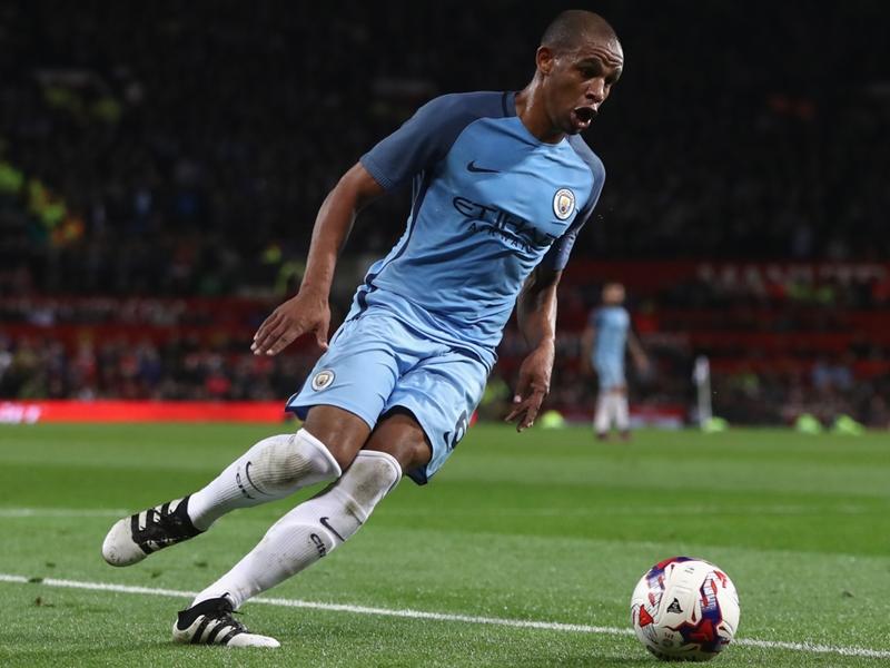 Manchester City vence Tottenham com guarda-redes Ederson a titular