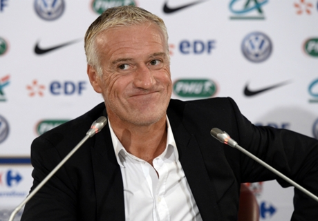Deschamps extends France deal