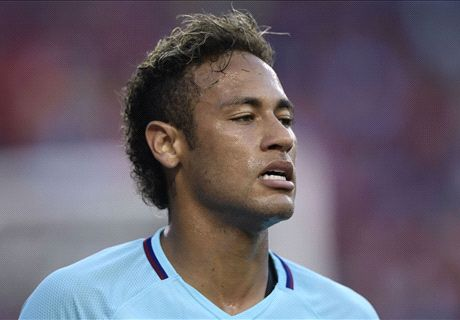 Neymar leads Barca past Man Utd