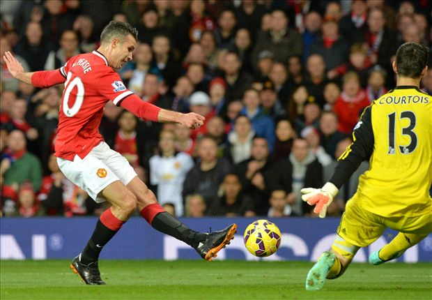 Manchester United 1-1 Chelsea: Van Persie snatches point at the death