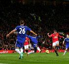 Brividi in Premier: RVP ferma il Chelsea