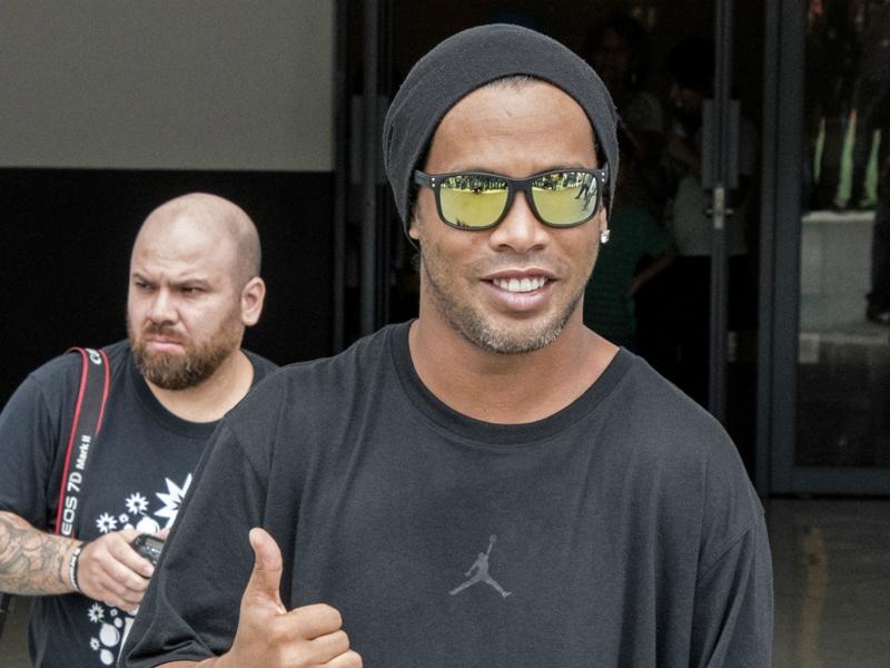 """Ronaldinho: """"Guardiola peut faire aussi bien à City qu'au Barça"""""""