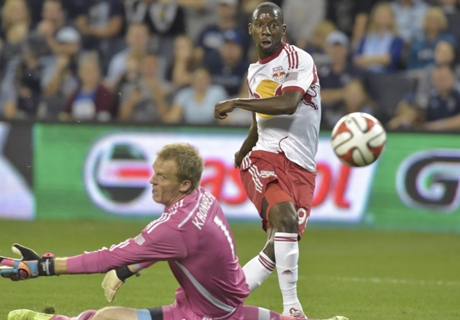 Wright-Phillips ties MLS goals record