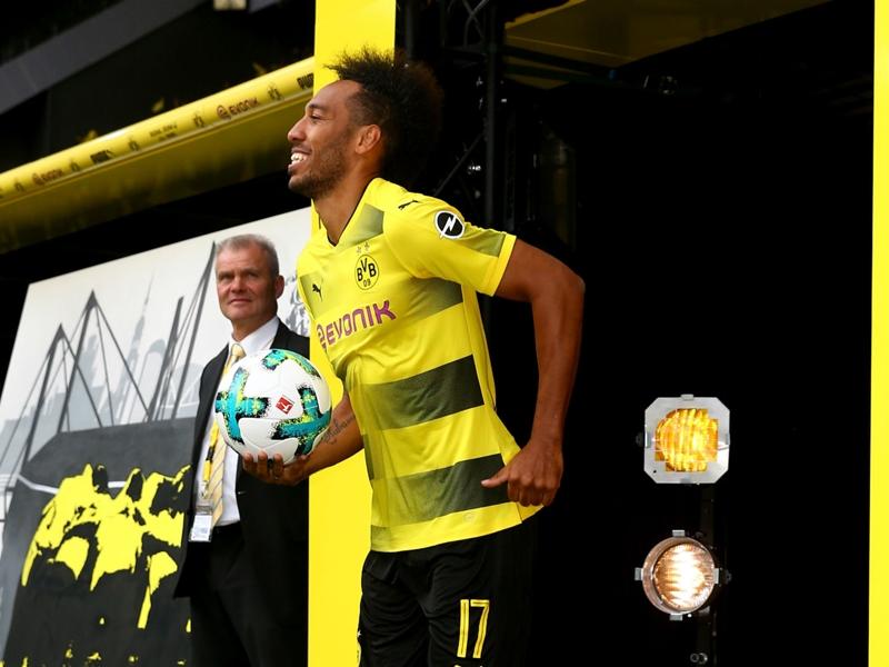 Aubameyang hat-trick breaks Dortmund's foreign scoring record