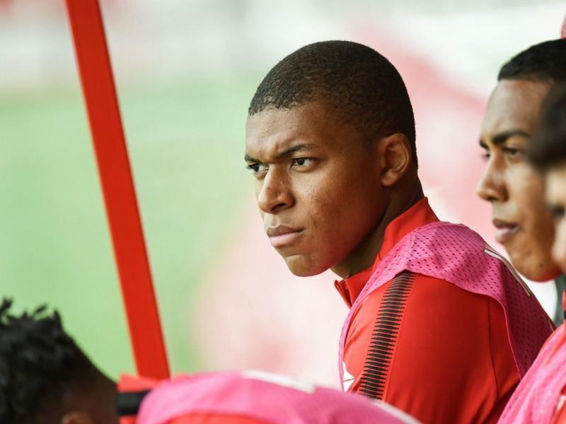 Mbappé foi expulso do treino após desentendimento com Raggi