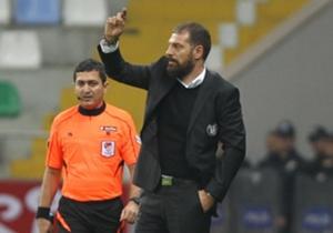 Beşiktaş Teknik Direktörü Slaven Bilic'in üç kulvarda birden yoluna devam eden siyah beyazlılar için ara transferde yapması gereken hamleleri mercek altına aldık.