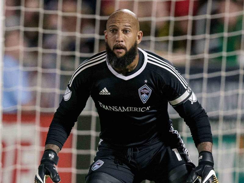 VIDEO: Tim Howard lets in rough own goal