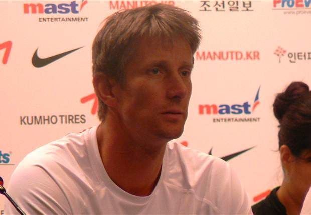Manchester United Grant Edwin Van Der Sar Indefinite Leave