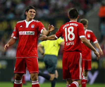 Gomez und Klose verpatzen die Podolski-Party (firo)
