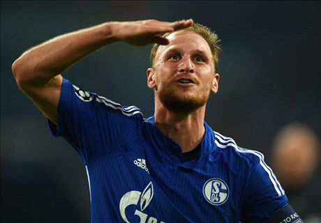 Man United keeping tabs on Howedes