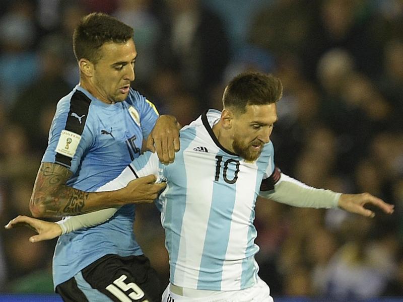 LIVE: Uruguay vs Argentina