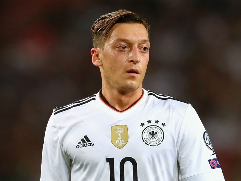 Ozil's Germany performances show how Wenger should use him