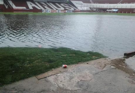 Impactante: estadio de Lanús, inundado