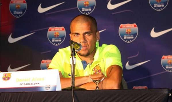 Barcelona USA Tour Press Conference - Dani Alves (Steve Han)