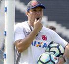 Vasco sai na frente, mas sofre empate contra Coritiba