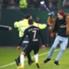 Torcedor jogou um cachecol contra Ribery