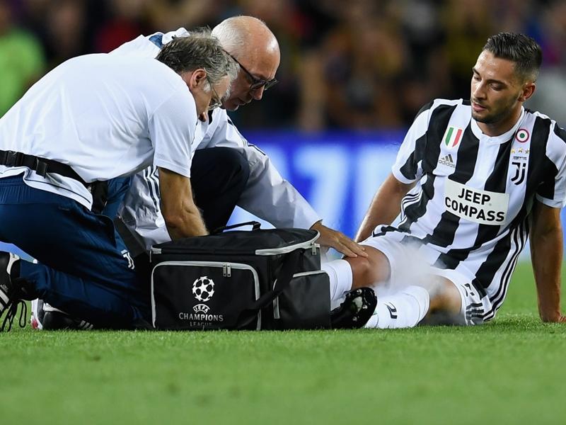Juventus' De Sciglio escapes serious injury