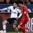 Schalkes Atsuto Uchida (li.) im Duell gegen Leverkusens Heung-Ming Son