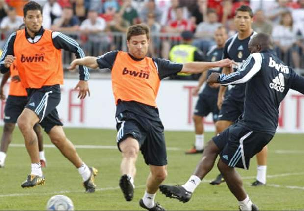 Real Madrid Reveal Xabi Alonso And Metzelder Injury Details