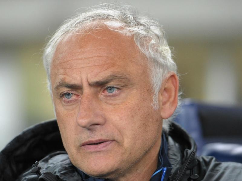 Ultime Notizie: Il Verona frena la crisi e tranquillizza Mandorlini: