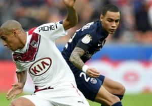 Gregory Van der Wiel Wahbi Khazri Paris SG Bordeaux Ligue 1 25102014
