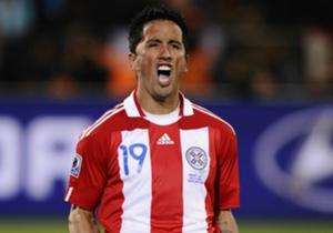 Lucas Barrios visitó la Albirroja en el Mundial de Sudáfrica y fue subcampeón de la Copa América de 2011.