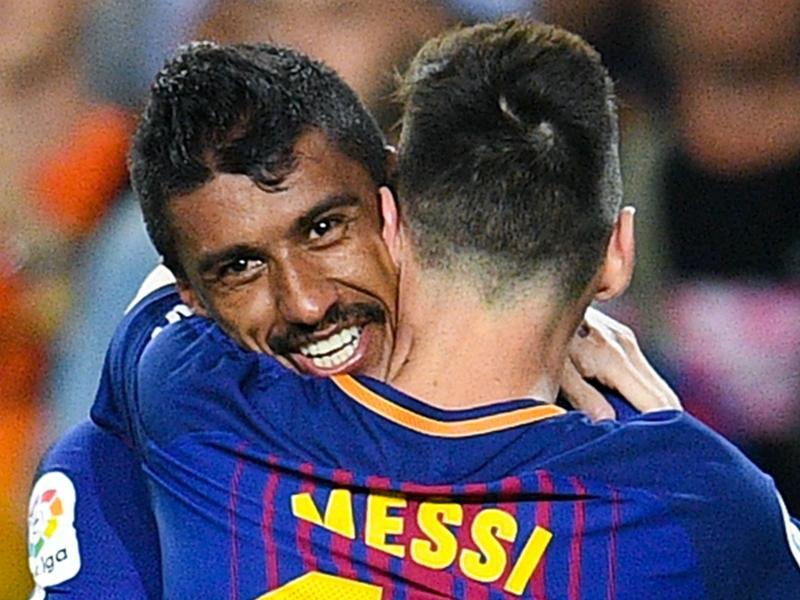 باولينيو لا يهتم بالانتقادات ويشيد بزميله في برشلونة ليونيل ميسي