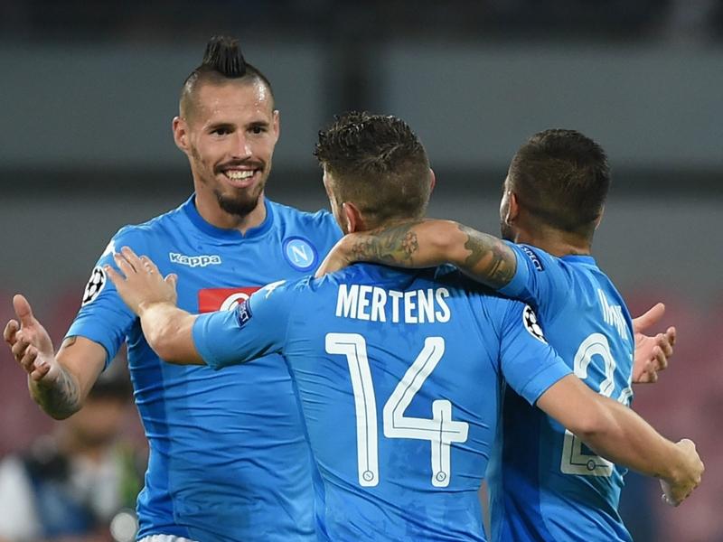 Coppe in tv: Napoli-Shakhtar su Canale 5, Milan-Austria Vienna su Tv8