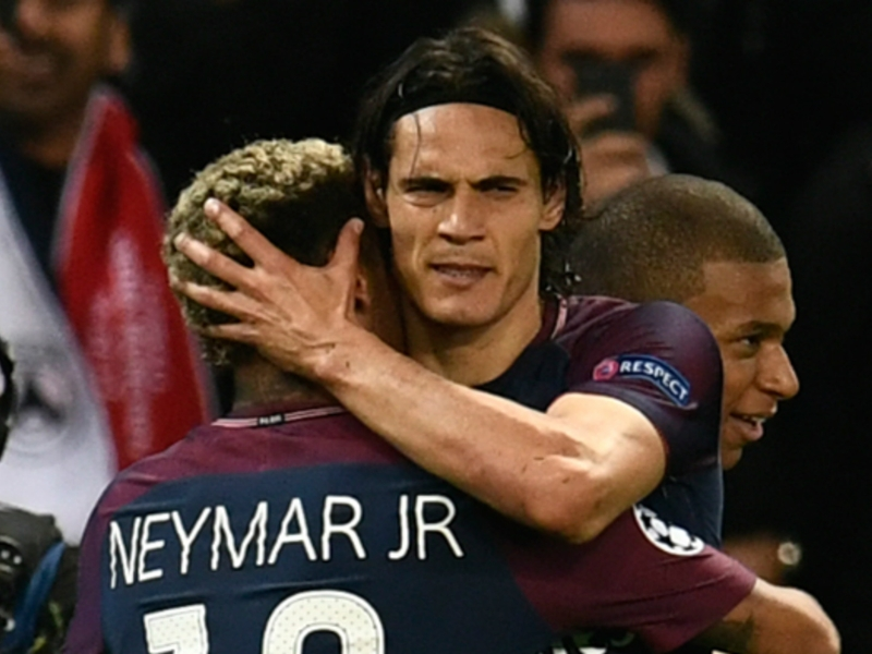 'We have to be a family' - Cavani stresses PSG unity following Neymar fall-out
