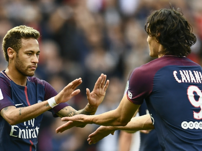 Cavani speaks out over Neymar rift