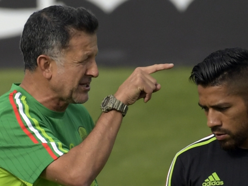 Young Mexico call-ups serve to encourage, not slam, potential El Tri players