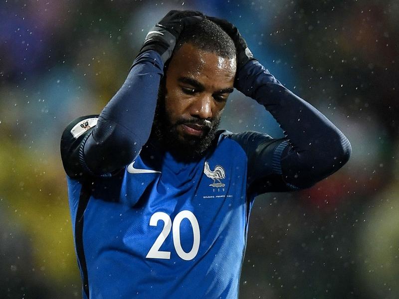 Équipe de France - Titulaire en pointe face à la Bulgarie, Alexandre Lacazette a loupé le coche