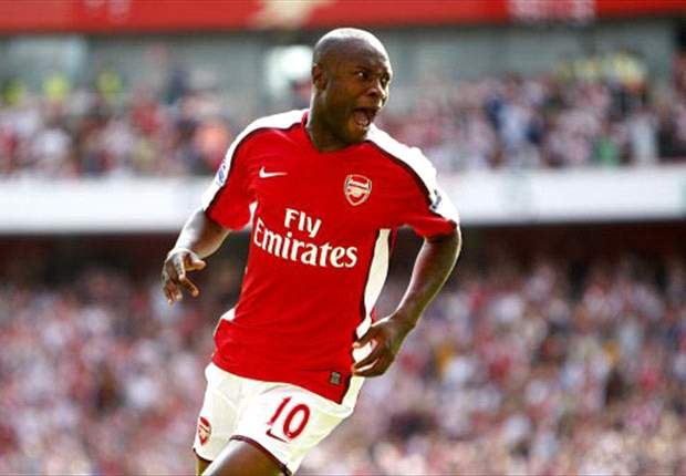 Former Arsenal centre-back William Gallas' insistence for a multi-year deal could see Tottenham lose interest - report