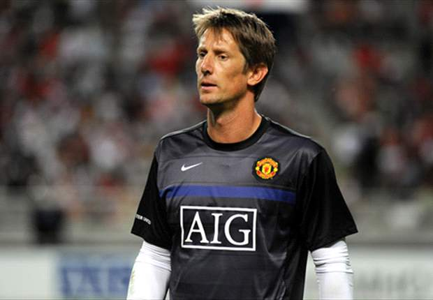 Edwin van der Sar To Return To Manchester United Within 10 Days - Report