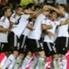 I giocatori del Valencia festeggiano un goal