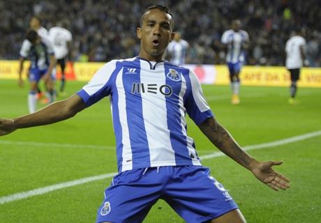Barça : Danilo pour remplacer Dani Alves ?