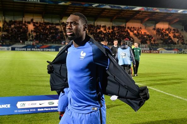 Equipe de France Espoirs : Augustin assigné devant la FIFA ?