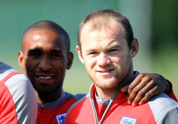 Defoe believes being 'crazy' is important for Manchester United talisman Rooney