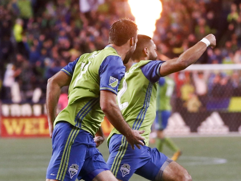 VIDEO: Dempsey returns with a brace as Sounders oust Whitecaps