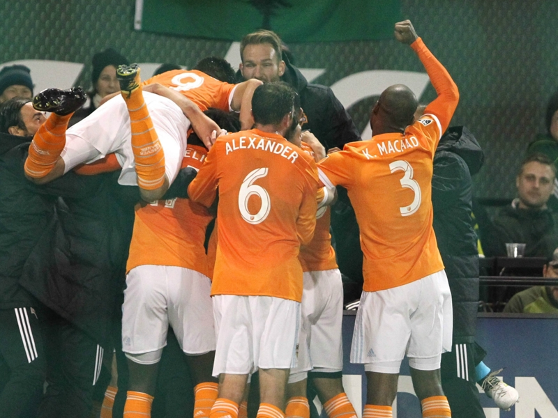 Dynamo stun Timbers to reach Western Conference final