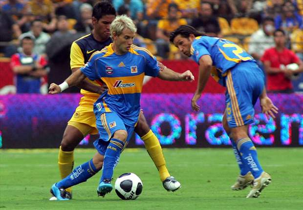 Tigres And America Play To An All-Yellow Tie