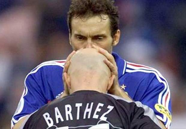 New France coach Laurent Blanc to call up former Manchester United keeper Fabien Barthez - report