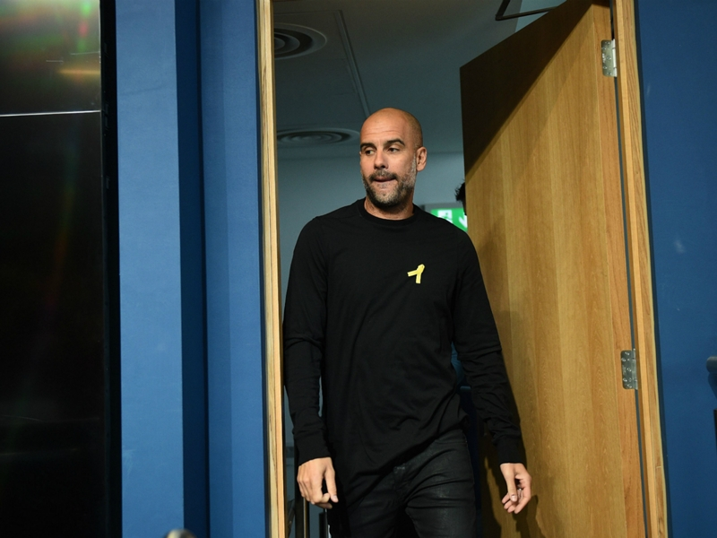 Guardiola wears yellow ribbon in support of Catalunya's political prisoners