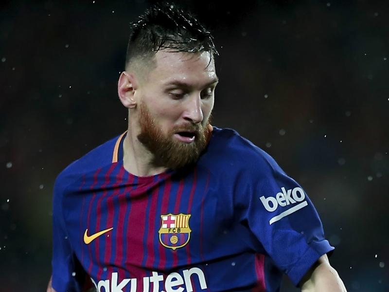 Valencia ia tramando o Barcelona, num jogo com polémica
