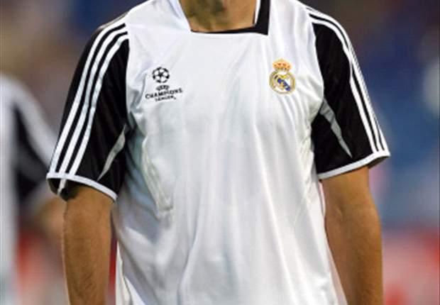 Real Madrid Star Ruud van Nistelrooy Injured Against Xerez