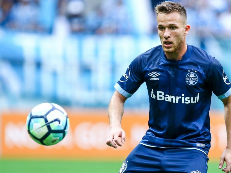 Grêmio irá denunciar Barcelona à Fifa por aliciamento de Arthur