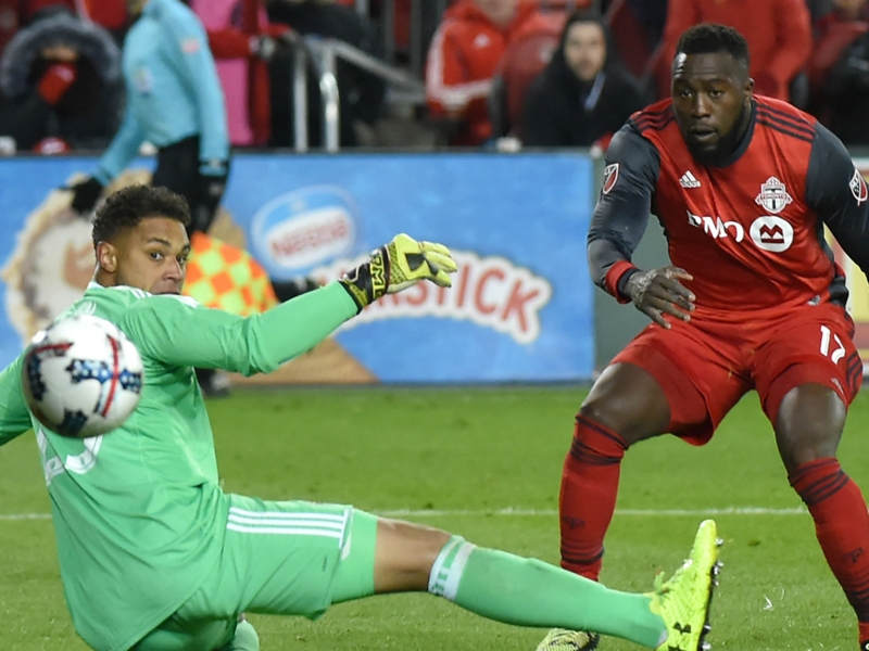 Altidore shows heart, battles through pain to deliver TFC an MLS Cup return