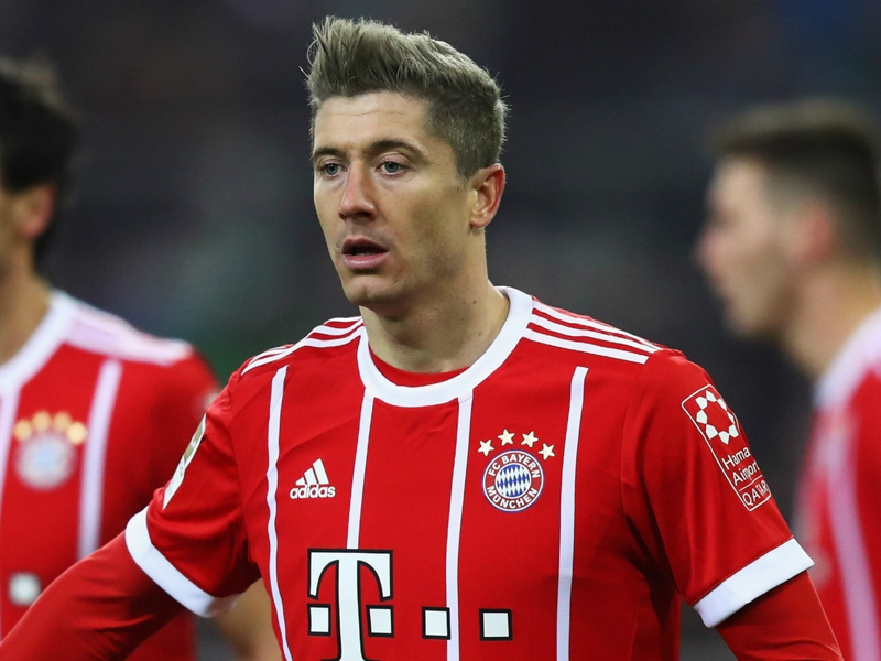 Muller urges Bayern to find backup for Lewandowski