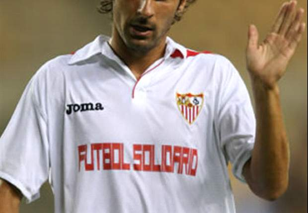 Sevilla's Escude reveals friendship with Ibrahimovic