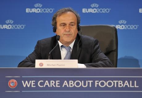Platini wil witte kaart introduceren